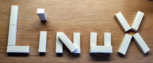 Nápis Linux z krabiček
